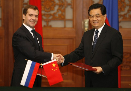 Medvedev and Hu Jintao - An Alliance between the Bear and Dragon